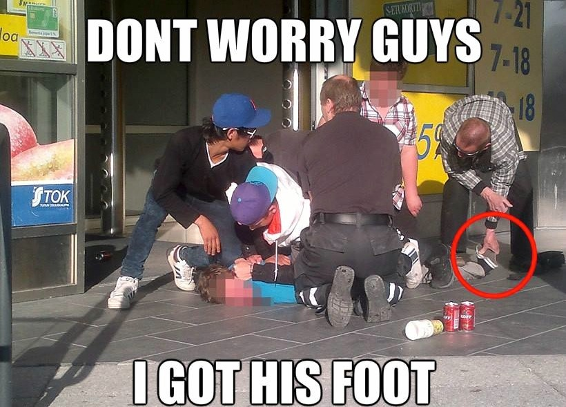 Funny Memes - i got his foot